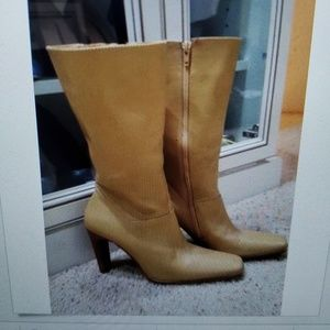 White Mountain Jasmin Women's Blonde Leather Boots